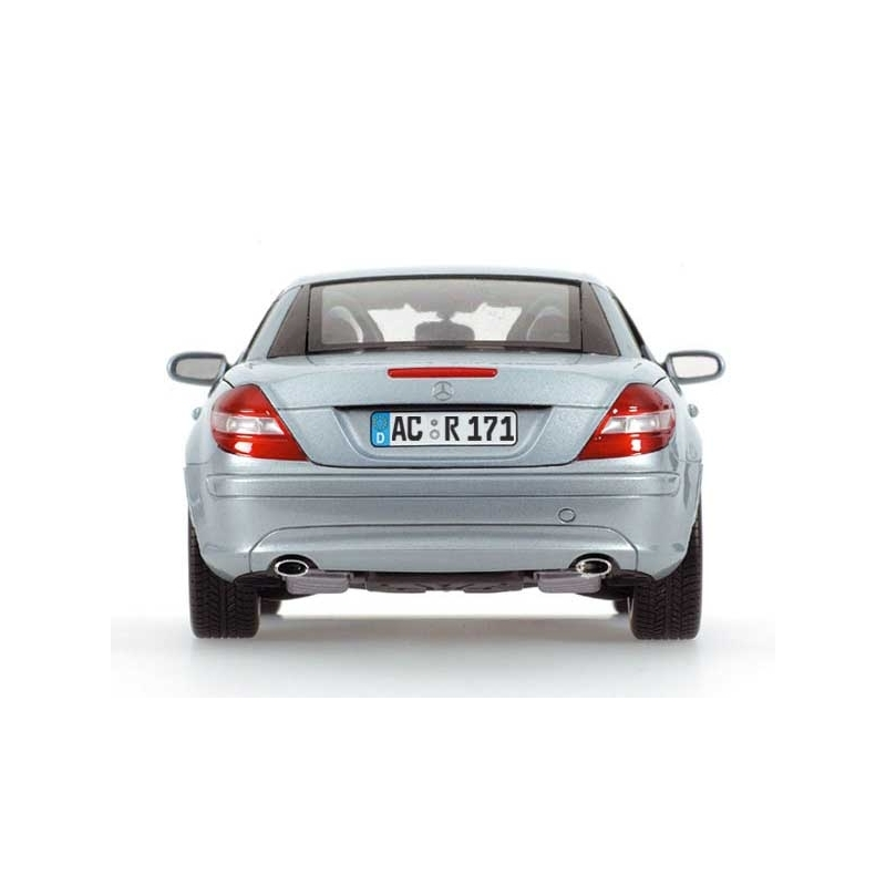 Minichamps mercedes benz slk class with movable roof for Mercedes benz roof box 400