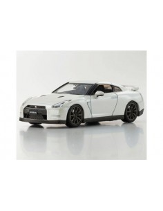 Nissan GT-R 2014 - Brilliant White Pearl