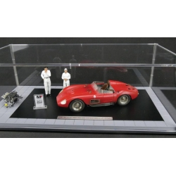 Maserati 300 S 1956 - Dirty version with 2 Figurines