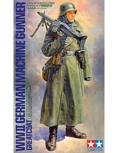 WWII GERMAN MACHINEGUNNER (GREATCOAT)