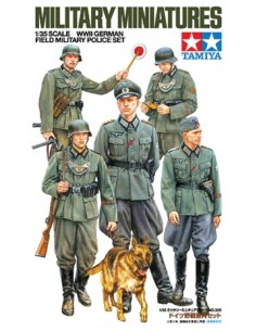 Military Miniatures WWII German Field Military Police Set