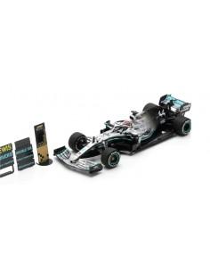 Spark - S6099 - Mercedes-AMG F1 W10 EQ Power 2019 Formula One Driver Champion Lewis Hamilton  - Hobby Sector