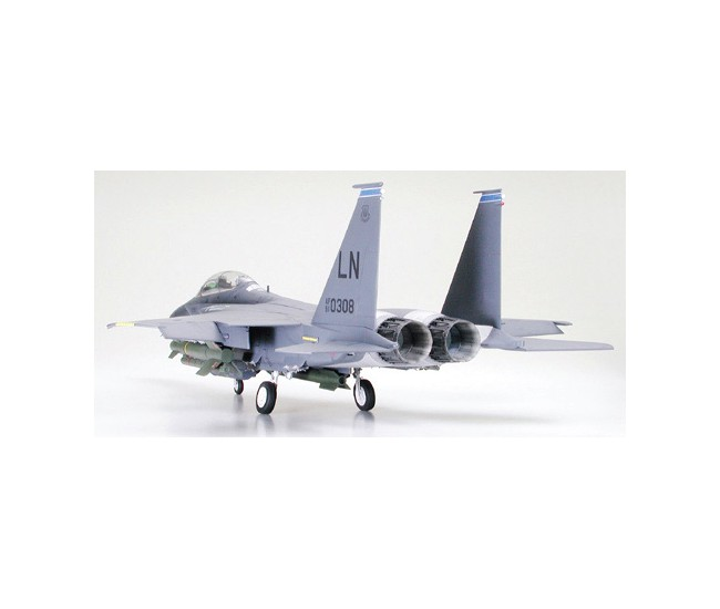 Tamiya - 60312 - Boeing F-15E Strike Eagle with bunker buster  - Hobby Sector