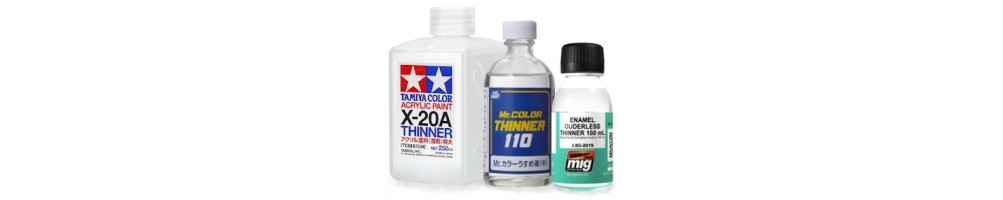 Thinners and other solutions for plastic model kits