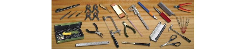 Ferramentas e acessórios para kits de modelismo em madeira